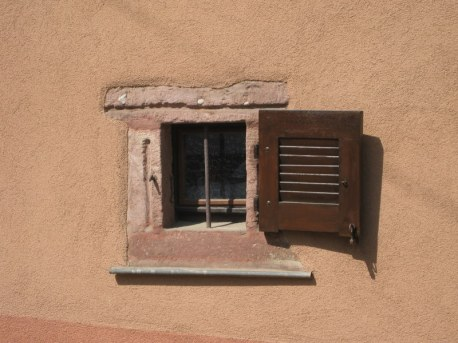nieder-window-001